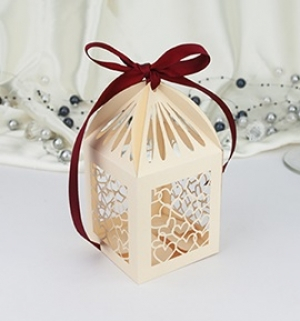 Krabička na makronky a drobné cukroví  1 ks zlatá perleť