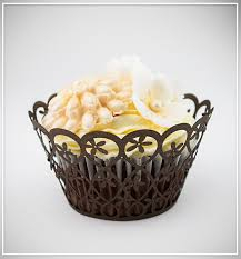 Košíčky na cupcakes  12 ks  hnědé - květiny