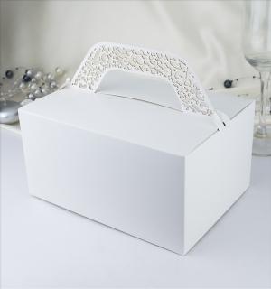 Krabička s krajkovým ouškem bílá perleť  10 ks