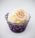 Košíčky na cupcakes  12 ks  fialové - květiny